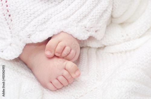 baby feet Wallpaper Mural