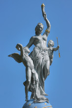 Top Part Of Fountain Goddess Of The Night. The Sculpture Composition With Fountains The Night (Goddess Of The Night) In Park Of Gurzuf, Crimea. Baroque Style, 19 Century.