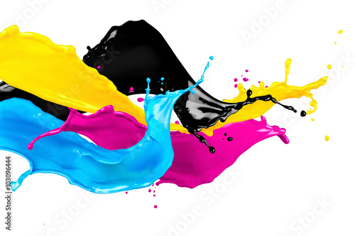 Fotografía  Salpicaduras de color CMYK salvaje aislado en el fondo blanco