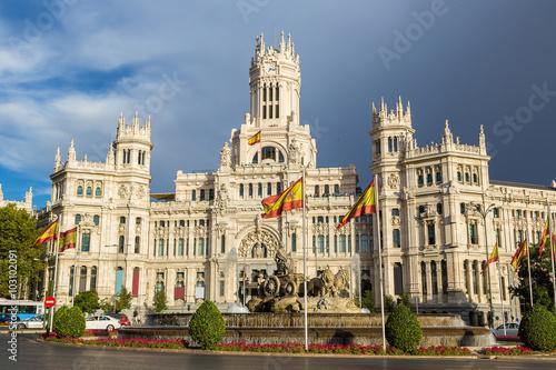 Staande foto Madrid Cibeles Palace and Cibeles fountain at Plaza de Cibeles in Madri