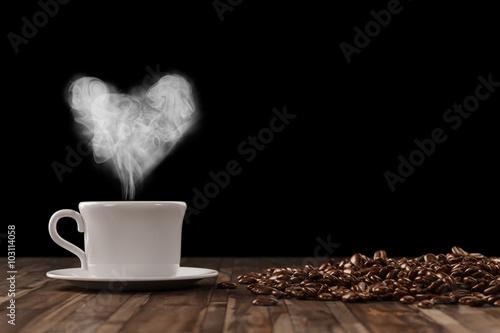 Herz aus Dampf über Tasse Kaffee плакат