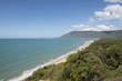 Playa de arena blanca en la costa australiana de Queensland.