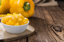 Portion Of Yellow Peppers (sliced)