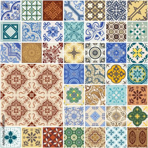 kolorowy-bezszwowy-patchworku-wzor-hiszpania-i-marokanskie-plytki-ustawiac