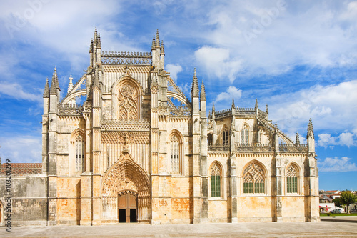 Photo The facade of Batalha cathedral in Portugal (Europe)