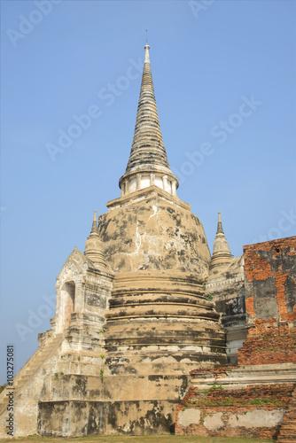 Spoed Foto op Canvas Bedehuis Одна из трех древних ступ храма Ват Прасисанпхет. Аюттхая, Таиланд