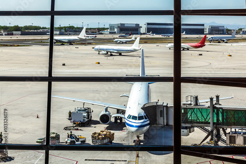 Poster Aeroport Airlines plane prepares for passengers to board