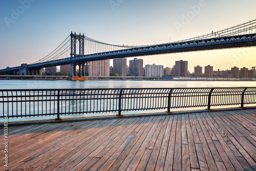 Fotografia, Obraz  Manhattan Suspension Bridge Across East River