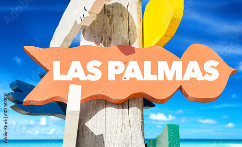 Las Palmas welcome sign with beach
