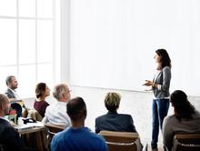 Business Team Seminar Listenin...