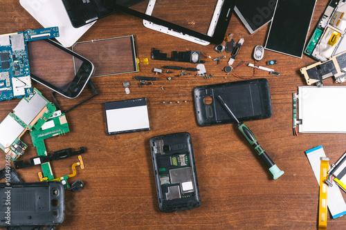 Fotografía  phone repair top view
