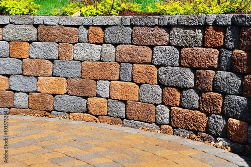 Fotomural Retaining wall and patio