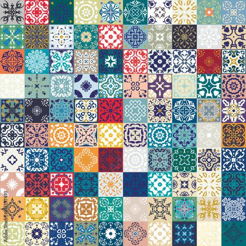 przepiekny-kwiatowy-wzor-patchwork-kolorowe-marokanskie-lub-srodziemnomorskie-kwadratowe-plytki-ornamenty-plemienne