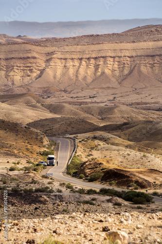 Poster Moyen-Orient truck's road in Negev desert