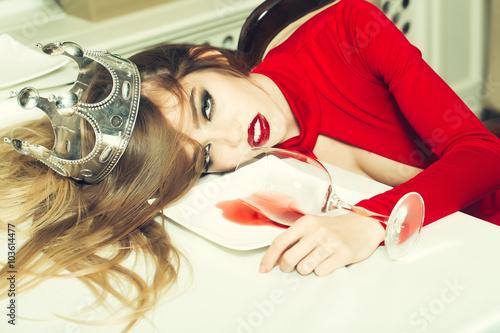 Fotografie, Obraz  Drunk woman in crown