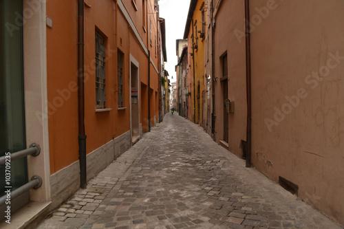 Foto op Canvas Smal steegje Enge Gasse in Fossombrone - Italien