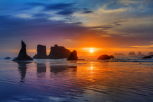 Sunset At Bandon Beach Over The Pacific Ocean With Reflections On Wet Sand, Bandon, Oregon