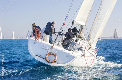 Foto op Plexiglas Zeilen regata nel Mar Mediterraneo, Italia