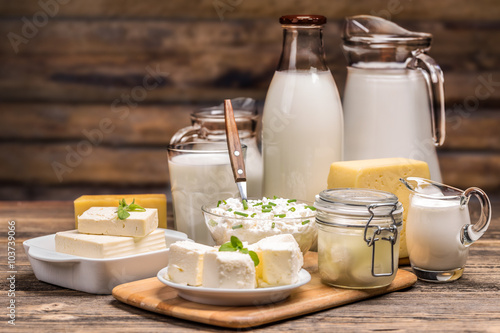 Montage in der Fensternische Milchprodukt Still life with dairy product
