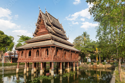 Fényképezés  Wat Thung Si Muang in Ubon Ratchatani in Thailand