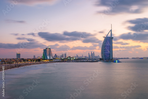 Photo  Burj Al Arab and Jumeirah Beach Hotel at the sunset
