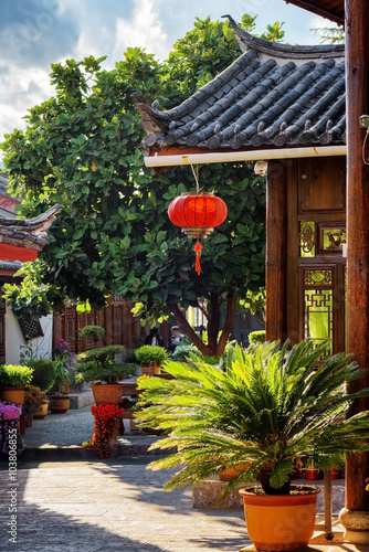 Tuinposter China Scenic view of traditional Chinese wooden house, Lijiang, China