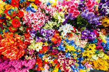 たくさんの造花