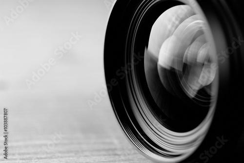 Fotografía  lens reflection black and white photo