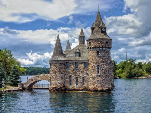 Spoed Foto op Canvas Kasteel Power House of the Boldt Castle on Ontario Lake, Canada