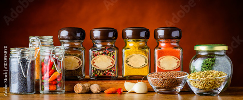 Tuinposter Kruiden Food Spices in glasses