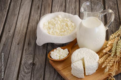 swieze-produkty-mleczne-mleko-i-twarog
