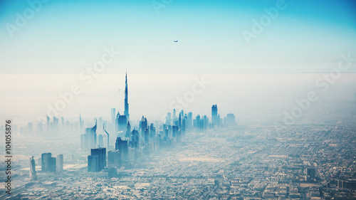 Montage in der Fensternische Dubai Dubai city in sunrise aerial view