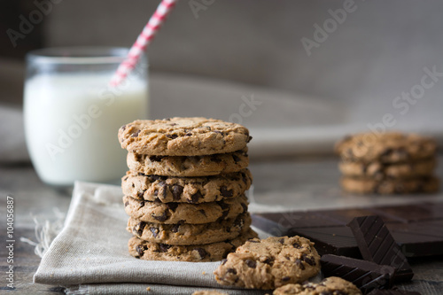 Fotobehang Koekjes Traditional chocolate chip cookies