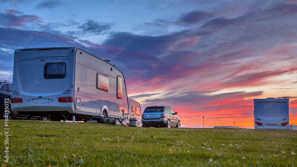 Fototapety, obrazy: Caravans and cars  sunset