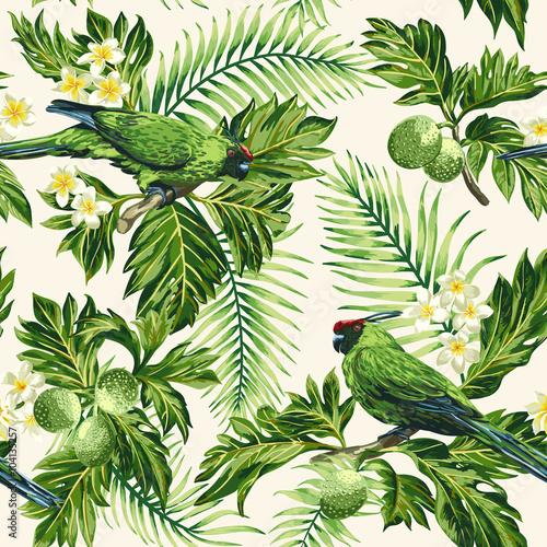 Tropikalny wzór z liści, kwiatów i papug.