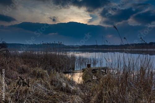 In de dag Nachtblauw Lake landscape