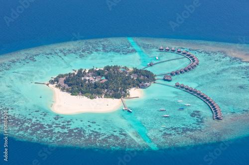 Spoed Foto op Canvas Eiland Aerial view on Maldives island, Raa atol