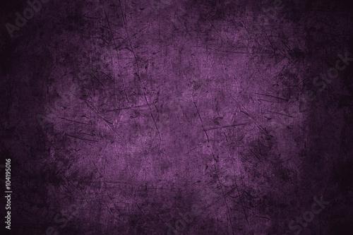 Fotografia  violet scratched metal