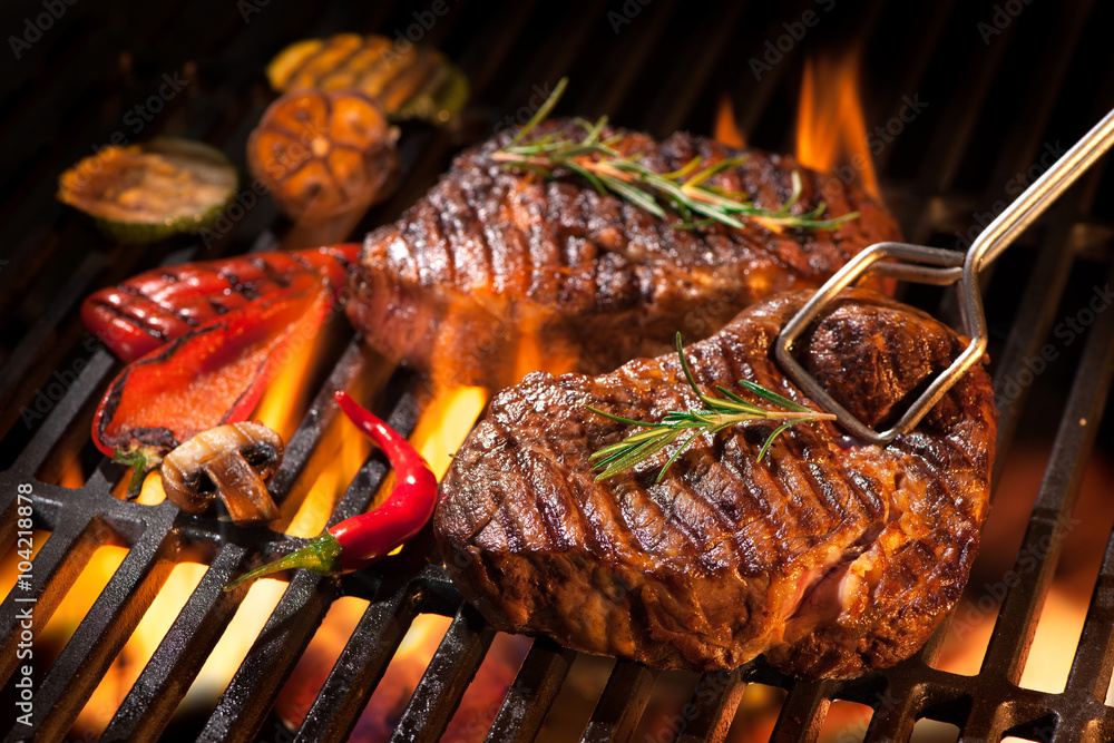 Fototapety, obrazy: Beef steaks on the grill