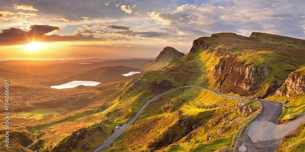 Obraz Sunrise at Quiraing, Isle of Skye, Scotland fototapeta, plakat