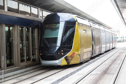 Poster Moyen-Orient New modern tram in Dubai, UAE