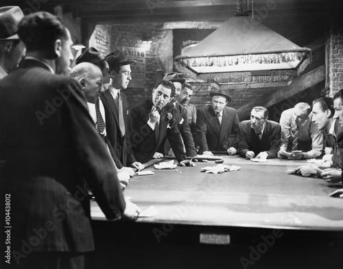 Fotografie, Tablou  Mobsters meeting around pool table