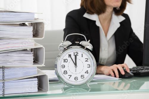 Fototapeta Young Businesswoman Working On Computer In Office obraz na płótnie