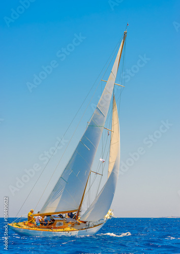 Spoed Foto op Canvas Zeilen sailing in Spetses island in Greece