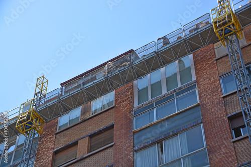 Photo  andamios para la renovación de una fachada