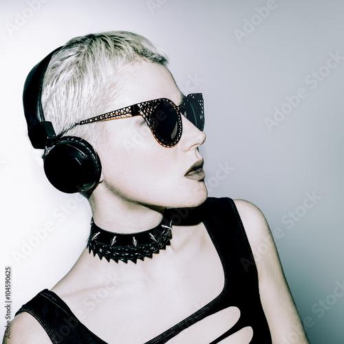 Fototapety, obrazy: Glamorous blonde DJ. Crazy Party Time