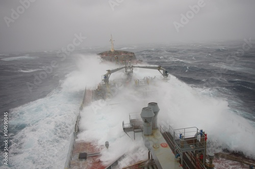 Foto op Plexiglas Onweer Tanker in heavy storm at Atlantic Ocean