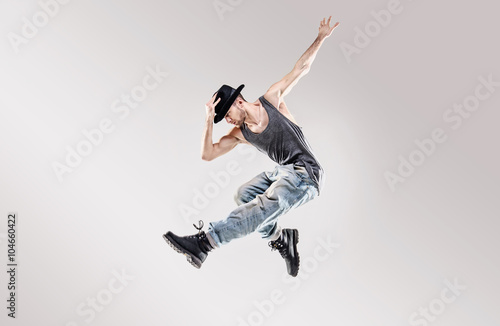 Foto Fashion shot of a young hip hop dancer