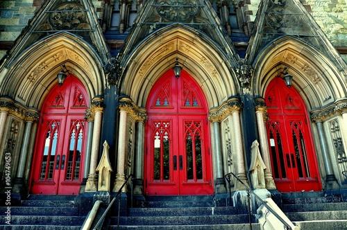 Valokuva  Baltimore, Maryland - July 23, 2013:  Triple door bays at 1843 Mount Vernon Plac