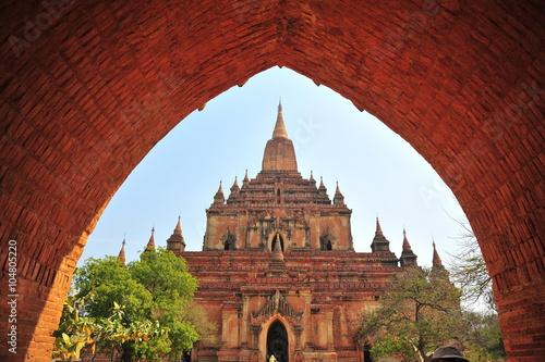 Fotografia  Old Pagoda in Bagan, Myanmar